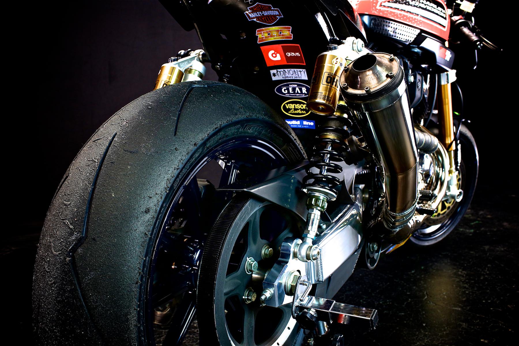 目前にレース仕様&本気モードのXR1200... テンション上がる!!:SPORTSTER XR 1200 2