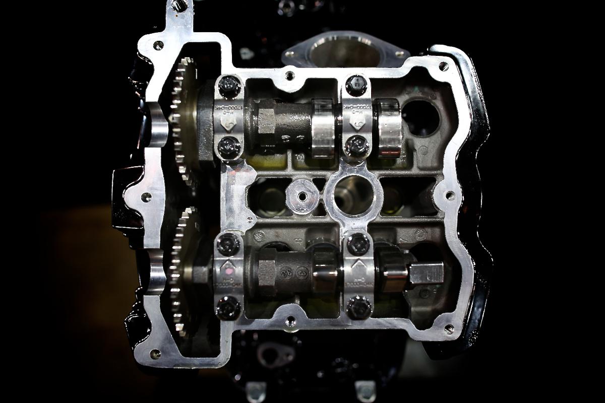Revolution:HARLEY DAVIDSON V-ROD ENGINE 1