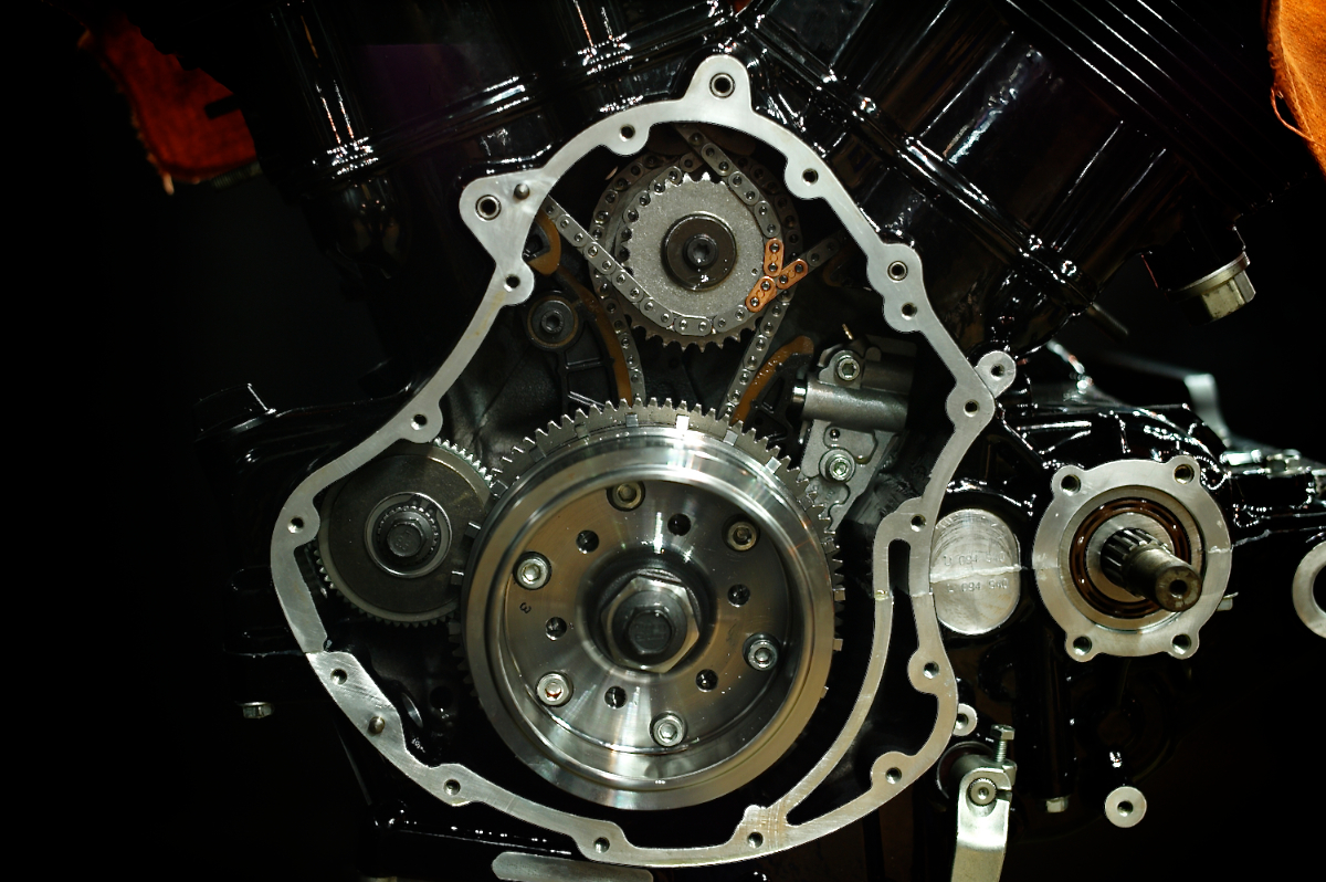 Revolution:HARLEY DAVIDSON V-ROD ENGINE 3