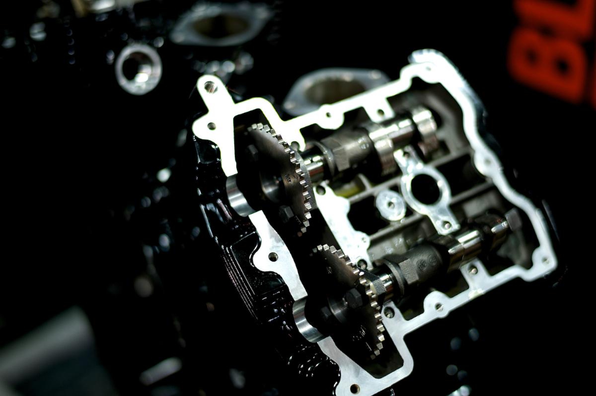 Revolution:HARLEY DAVIDSON V-ROD ENGINE 9