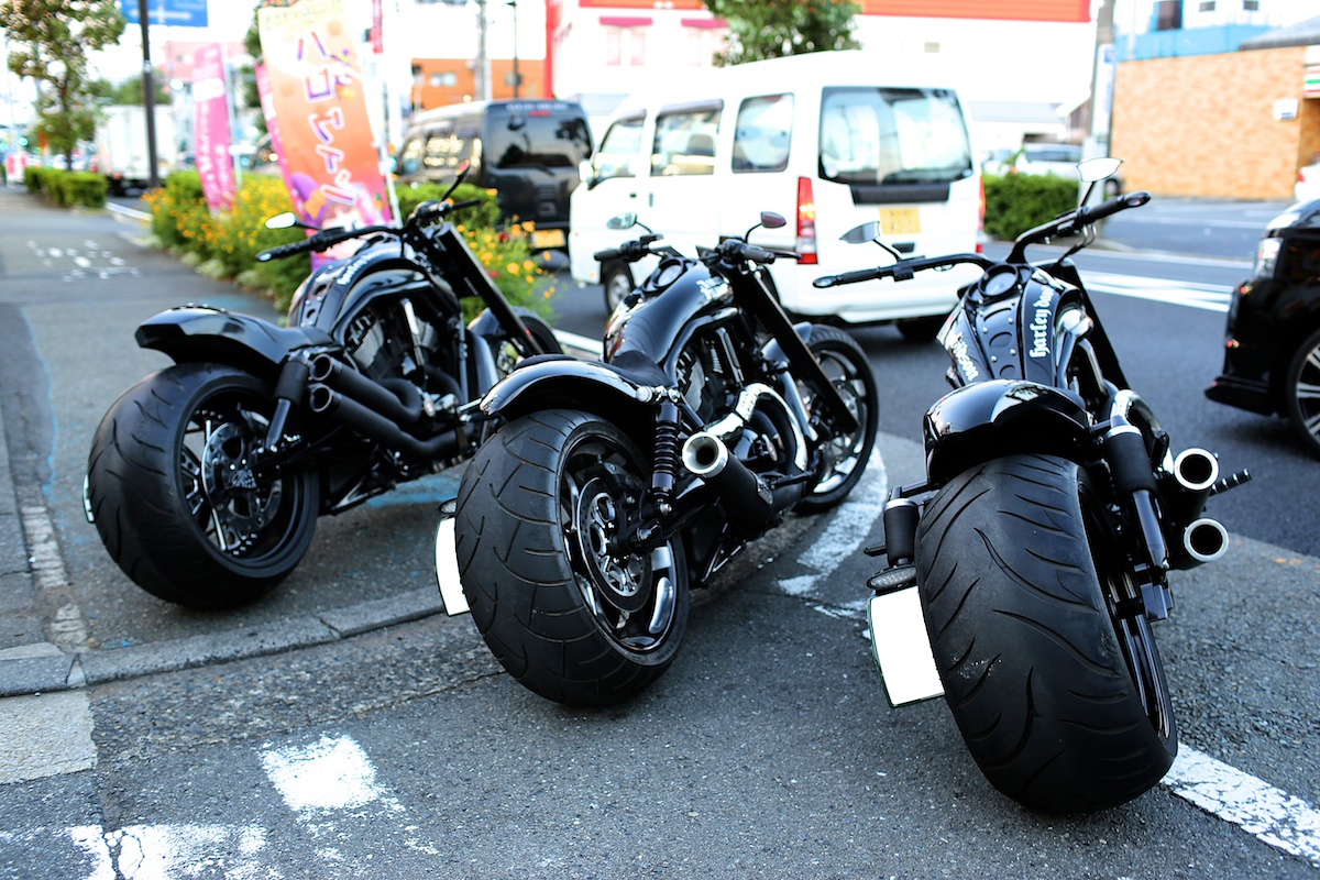 Complete Black… It is our style.:BADLAND'S BLACK DEVILS!! 1